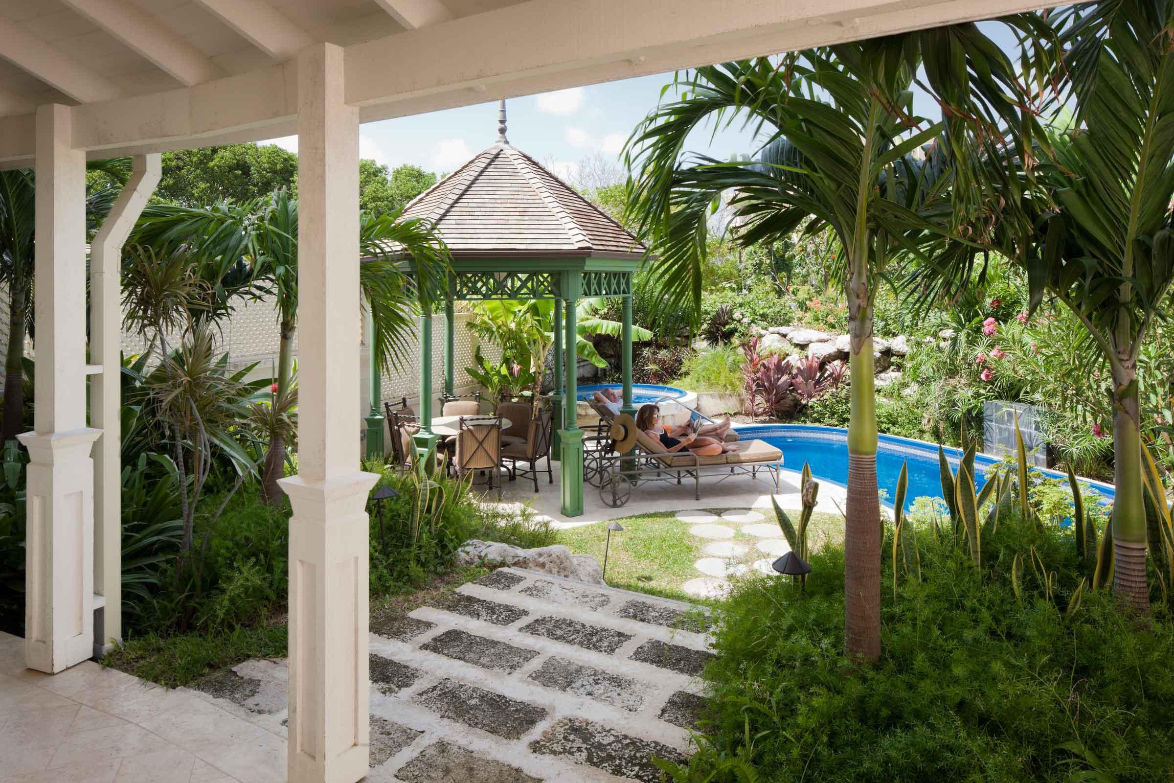 Two-Bedroom-Deluxe-Suite-with-Garden-Pool